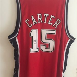 New Jersey Nets Vince Carter Autographed signed.